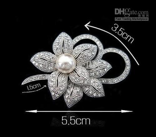 Apariencia vintage Oro blanco Cristal de diamantes de imitación transparente Diamante Crema Centro de la flor y Arco Broche de ramo de boda