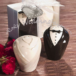 Wholesale Salted Groom - FREE SHIPPING (100SETS=200PCS) Bride and Groom Ceramic Salt & Pepper Shakers Wedding Favors Ceramic Favors Wedding Favors Engagement Party