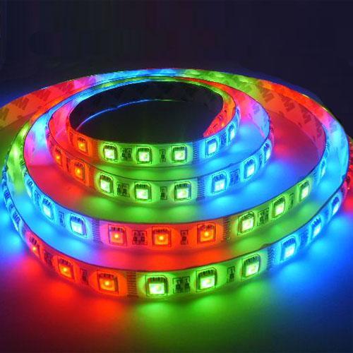 LIVRAISON GRATUITE-direct usine! 5050 RGB HORSE RUNNING LIGHT conduit bande étanche à l'eau 54LED / Mètre 5M en un seul rouleau