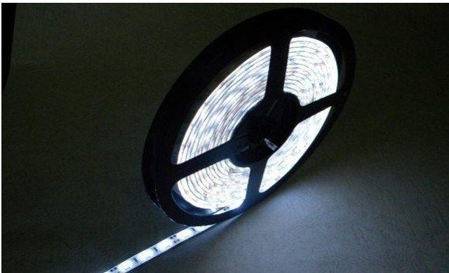 FRETE GRÁTIS-Super brilhante 5630 LED STRIP whitewarm frio branco 60LED / Metro SMD LIGHT DC12V à prova d 'água