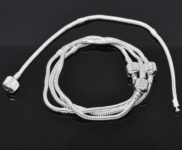 Geen verzendkosten ! Verzilverde Snap Snake Snake Chain Armbanden past Europese charme 18 cm lengte