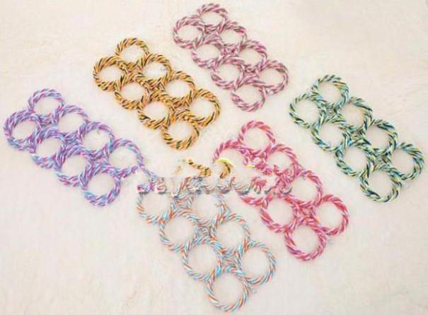 L'écharpe avec crochet pour anneau à 28 trous enveloppe le support pour organisateur de rangement pour châle