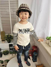 camisa alaranjada dos meninos Desconto Venda por atacado - Nova Primavera Meninos Coreanos Carta Stripe Em Torno Do Pescoço T-shirt De Manga Longa Crianças Tops Branco Laranja 5222