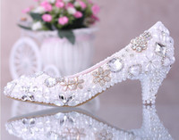 Wholesale Diamond Pearl Crystal Heels - Luxurious Elegant Imitation Pearl Wedding Dress Bridal Shoes Crystal diamond low-heeled shoes Woman Lady Dress Shoes White