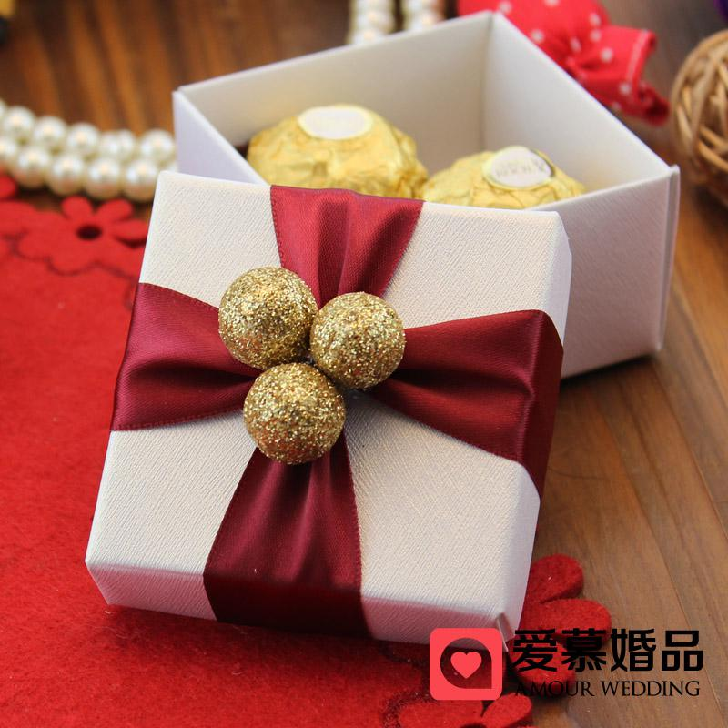 Personalized Classic Gold Ball With Red Ribbon Candy Boxes White Color Square Handmade Wedding Favor Gift 100pcs A Lot