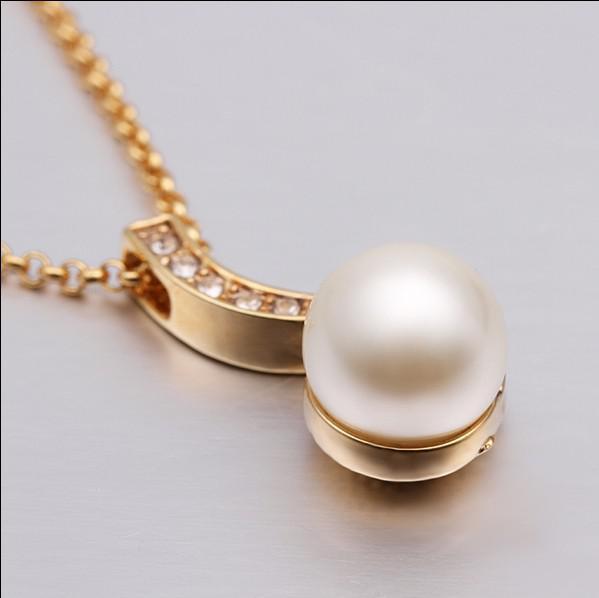 Alta calidad 18 K chapado en oro joyería de moda shell perla colgante collar regalo nupcial envío libre 10 unids / lote