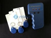 control de acceso 125khz rfid al por mayor-125khz-135khz Tarjeta RFID portátil Copiadora Duplicadora ID EM Mifare Lector y escritor de tarjetas de control de acceso con 3 tarjetas grabables 3 ETIQUETAS