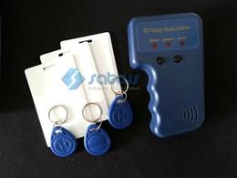 Lector de tarjetas de control de acceso online-125khz-135khz Tarjeta RFID portátil Copiadora Duplicadora ID EM Mifare Lector y escritor de tarjetas de control de acceso con 3 tarjetas grabables 3 ETIQUETAS