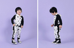 Wholesale Hot Boys Hoodie - Wholesale Hot! Spring Autumn Children's outfits kids clothing boy girl black white star hoodie + pants 2pcs baby star suit cotton 5s l