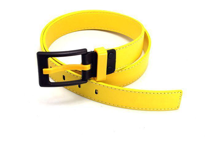 1 STÜCKE Korean Mens Yellow PU Ledergürtel antiallergische Schnalle Bund # 23594