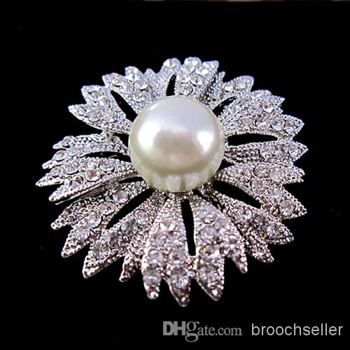 Verzilverd Diamante en Pearl Center Flower Wedding Bouquet Broche