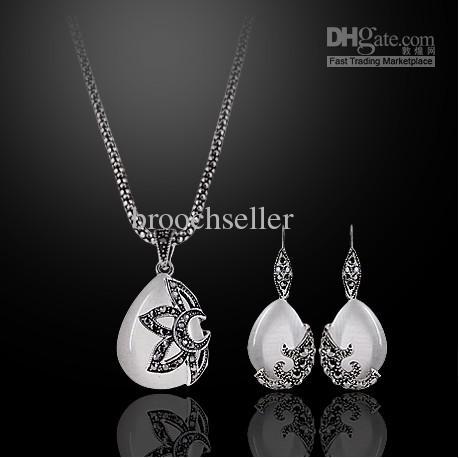Antikes Silber überzogener Opal-Tropfen-hängende Halskette und Ohrringe Schmuck-Sets