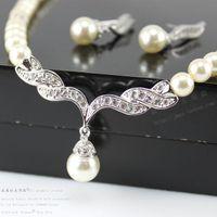 nedime altın küpeleri toptan satış-Kadınlar Için ucuz Takı Gümüş Altın Sesi Inci Taklidi Kristal Diamante Düğün Gelin Kolye ve Küpe Nedime Takı Seti SF