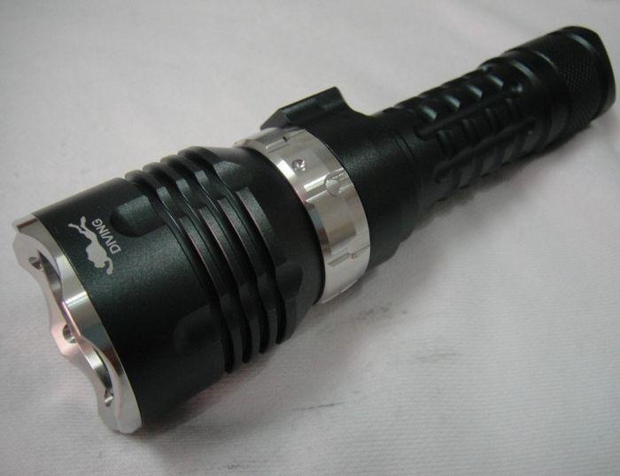 2015 Hot Underwater 100m Diving Flashlight 2000 Lumen CREE XM-L U2 LED Waterproof Torch Light + 18650 battery + Charger