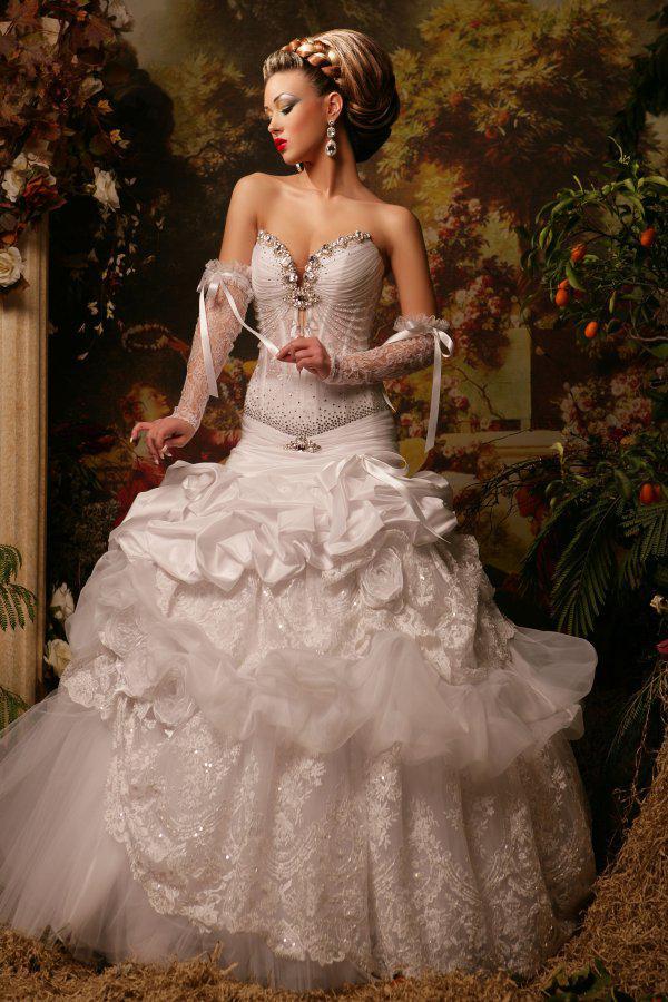 NUEVA llegada 2019 lujoso precioso una línea de novia de cristal sin tirantes de encaje vestidos de novia únicos vestidos de novia árabe 07
