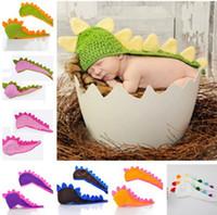 bebê prop dinossauro venda por atacado-10 PCS Recém-nascido Do Bebê Infantil Knit Dinosaur Beanie Hat Adereços Fotografia Traje Feito À Mão Crianças Animal Cap