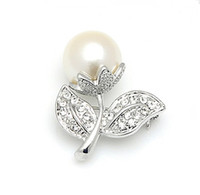 Wholesale small brooches pearls - Silver Plated Rhinestone Crystal and Cream Pearl Small Pretty Flower Design Pin Brooch