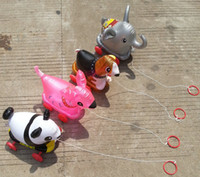 hayvanlar tekerlekleri toptan satış-Yeni PVC malzeme ile şişme Hayvan çekme oyuncak tekerlekli Şişme Oyuncaklar Yürüyüş Balon Tekerlekler kayabilir.
