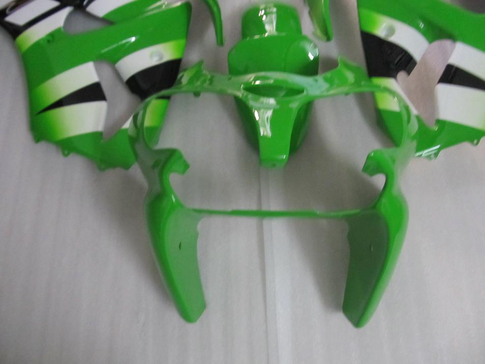 Injektionsfeuding Bodywork för Kawasaki Ninja 2000 2001 2002 ZX-6R ZX6R 636 ZX 6R 00 01 02 Grön vit Fairing Body Kit KC34