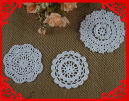 $enCountryForm.capitalKeyWord UK - Wholesale 3 Design Crochet pattern Doily Coaster hand made cup mat Pad Round 3D Applique Pink White 8-12CM 30pcs LOT