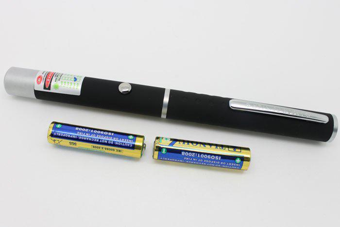 5mW 532nm grüner Lichtstrahl-Laserpointer SOS-Montage-Nachtjagd-unterrichtende Licht-Zeiger ohne Paket Freies Verschiffen