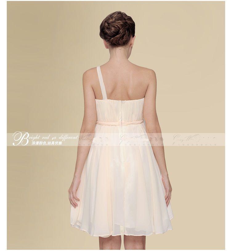 Sexy One-Shoulder A-Line Chiffon Mini Brautjungfernkleider Kurzes handgefertigtes Blumen-Party-Kleid