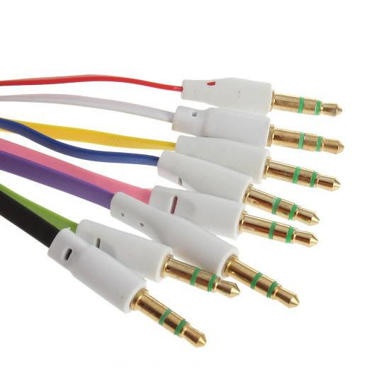 3.5mm al por mayor a 3,5 mm de audio de coches Aux Cable auxiliar de audio tipo extendido plano colorido