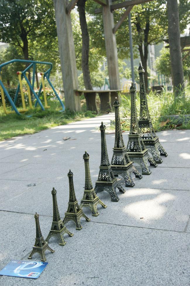 Paris Paris 3D Eiffelturm Modell Alloy Eiffel Tower Schreibtisch Tisch Büro Dekoration spezielles Geschenk für Freund /