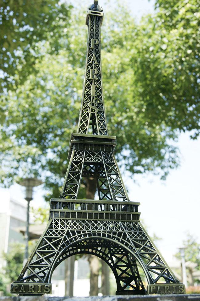 2015 New Wedding table Centerpieces paris Eiffel Tower model Bronze Eiffel Tower home Metal craft ornament wedding decoration supplies