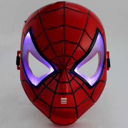Costume Cosplay Héroïne Pas Cher-Glow In The Dark LED Iron Man Spider Man Mask Movie Guy Mask Héros Face Guard pour Halloween Cosplay Party Costume Theatre Prop