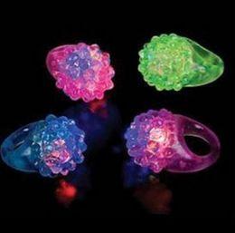2019 geführte geleeringe Heißer Verkauf! Kühle geführte leuchten blinkende Luftblasen-Ring-Party, die weiches Gelee-Glühen-Großverkauf blinkt günstig geführte geleeringe