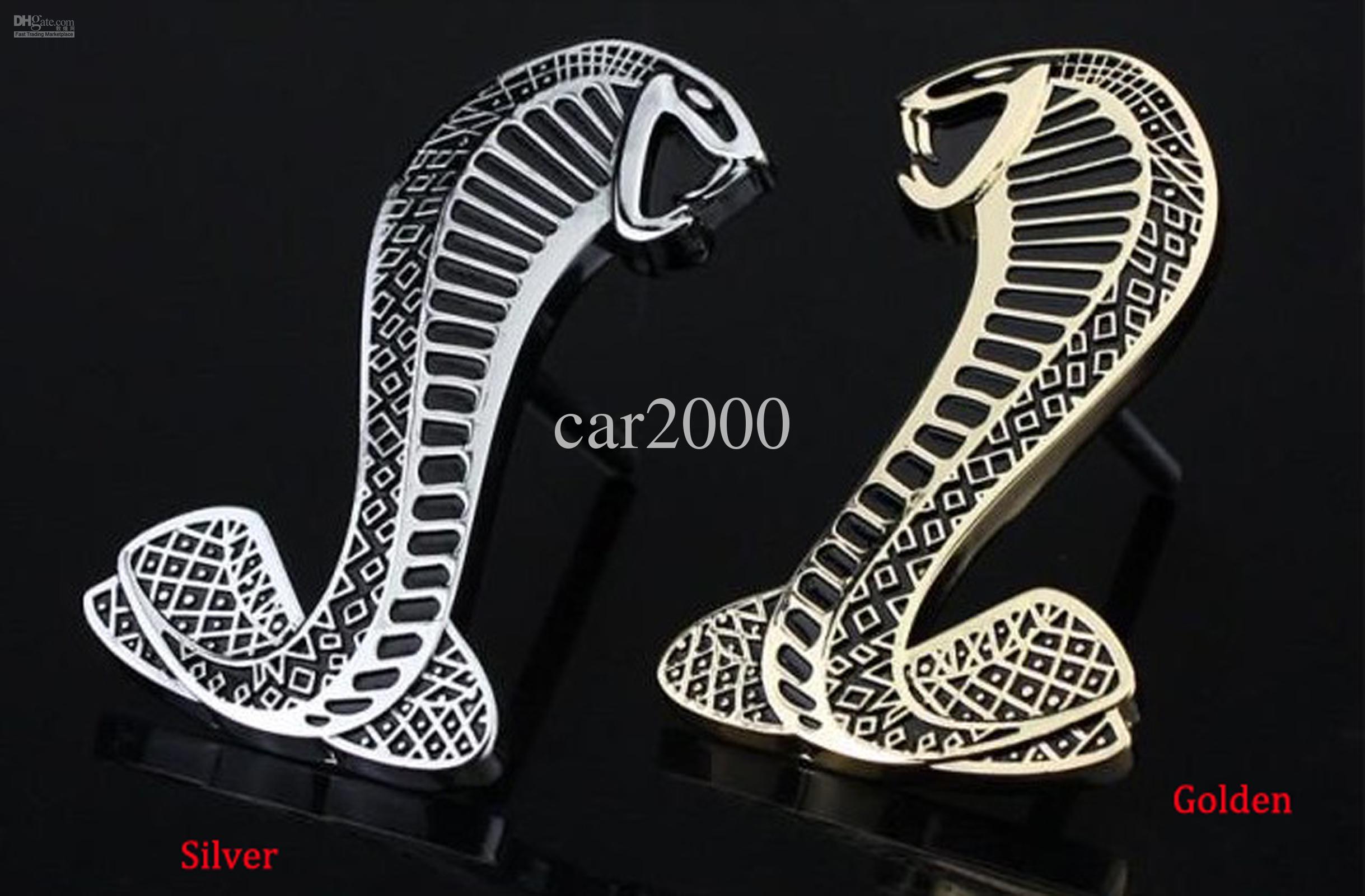 Embl/ème pour calandre serpent dor/é