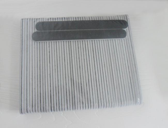 New Standard Negro Nail Archivos Grit 100/180 centro blanco Salón de belleza Herramienta de cuidado de las uñas Sandpaper Drop Shipping # NFZ018
