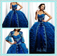 Charming Attraktive Applikationen Backless Tiers Stickerei Ballkleid Crepes bodenlangen Kleider Quinceanera mit Jacke 2013