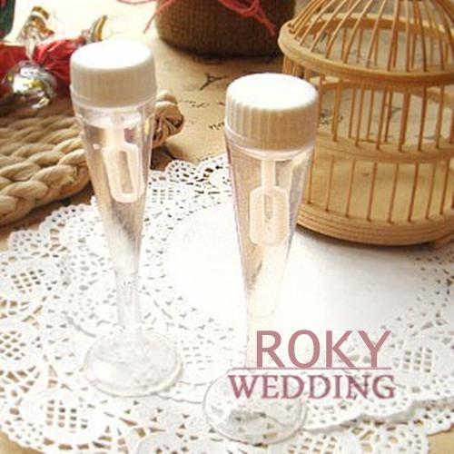 !! Champagne Glass Wedding Bubble Bottle Favors Soap Water