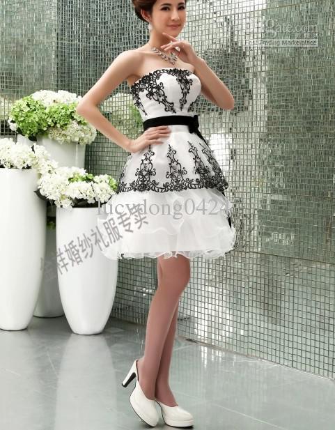 Weiße Organza mit schwarzen Applique und Schärger Tüll zurück Reißverschluss Schatz Brautjungfernkleider Rüschen kurze Cocktail Brautjungfernkleider