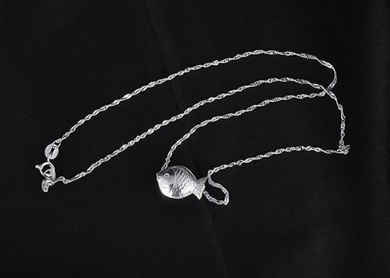 Ny söt fiskhänge 925 Sterling Silver Animal Fish Pendant Halsband Kvinnor Bohemian Mode Koreanska Smycken 10st /