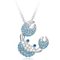 pingentes de safira azuis venda por atacado-925 Sterling Silver Crab Pingente de Colar de Jóias de Safira Encantos Colar Exagerado Pingente De Cristal Cheio de Luz Azul Jóias Para As Mulheres F