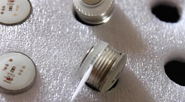 40ピース* LEDランプの夜ライトアップクリスマスカーニバルパーティー飾り屋根着のための磁気スタッドイヤリング