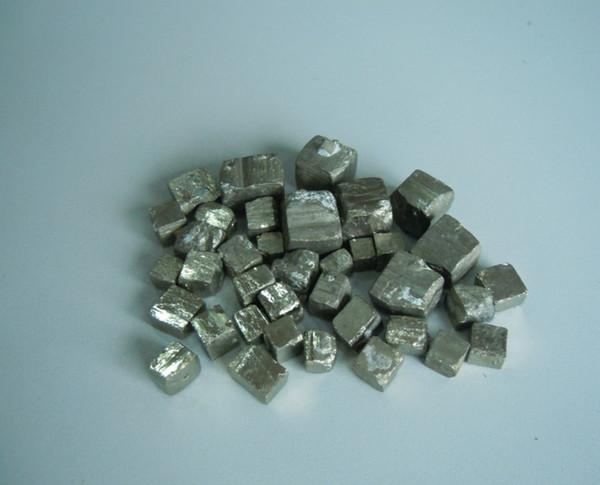 Atacado 600 g / lote promoção de vendas 5mm-10mm e 15mm-20mm tolo pirita de ouro cubo de cristal mineral rocha original espécime coleção