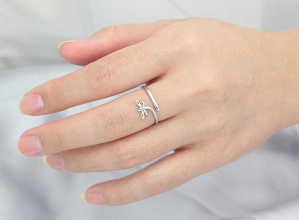 925 Sterling Silver Rings Luxurious Fashion Korean Jewelry White Gold Overlay Open Animal Dragonfly Rings For Women