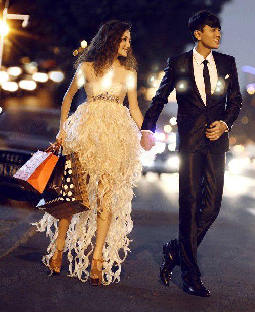 Envío gratis 2014 recién llegado Champagne Organza vestido sin tirantes de una línea Hi-lo Frong corto largo Back Beads noche vestidos de baile Imagen Real