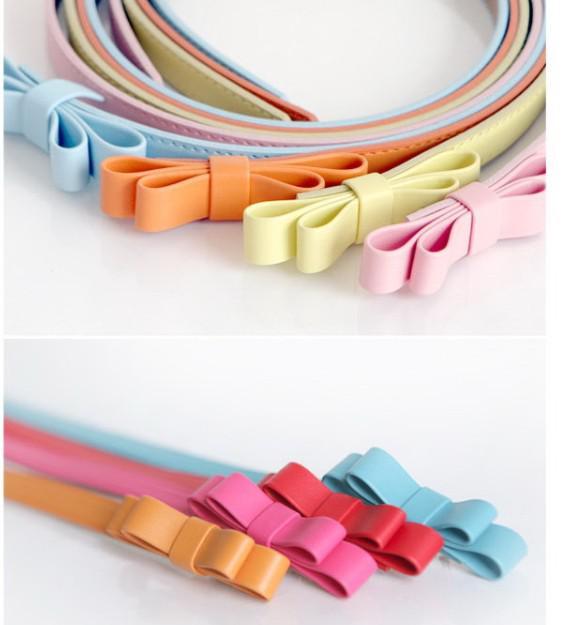 10st Solid Färg Konstgjorda läder Skinny Belt Justerbar Bow Mer Färg