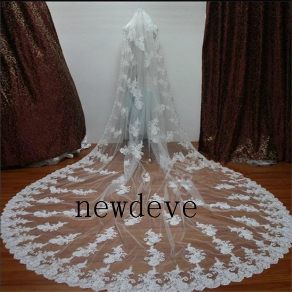 Ny skräddarsydda brudbröllopslöjor Två lager Elfenben Lace Applique Purfle Free Comb Skräddarsydda Kapellsveils