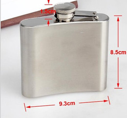 Venta al por mayor - 100 unidades / lote Bebida Licor Whisky Alcohol Acero inoxidable 5 oz Hip Flask Screw Cap Casquillo del embudo