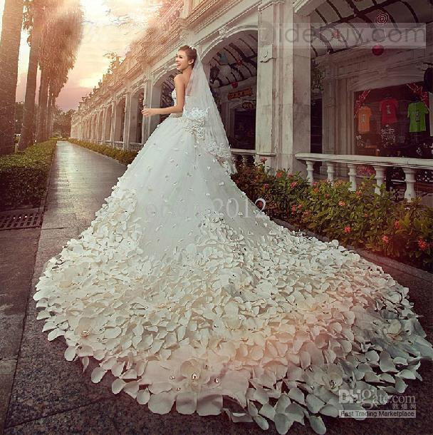 2016 Bling Cathedral Train Free Veil Sweetheart Appliques Rhinestones A Line Wedding Dresses Gowns Sequins Bridal Bride 2018 From
