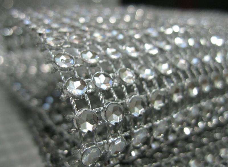 Partihandel -4.5 tum 10 meter 24 rader Silver Bröllopsdekoration Diamond Mesh Roll Rhinestone Ribbon Crystal Wrap