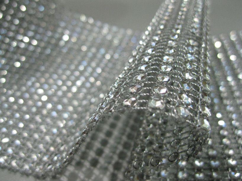 Wholesale -4.5インチ10ヤード24行シルバーの結婚式の装飾ダイヤモンドメッシュロールラインストーンリボンクリスタルラップ