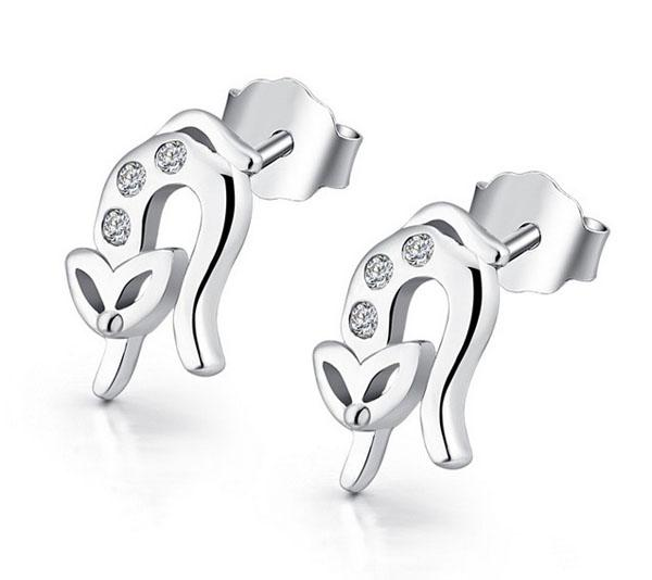 İsviçre Elmas Saplama Küpe Bayanlar S925 Ayar Gümüş 30% Beyaz Altın Kaplama Küpe Kadınlar Için Güzel Takı