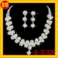 Wholesale Pearl Pierced Earrings - STOCK 2017 Romantic Pearl Designer With Crystal Cheap Two Pieces Earrings Necklace Rhinestone Wedding Bridal Sets Jewelry Set Jewerly 2017